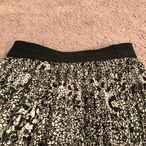 H&M Skirts - H&M pleated skirt